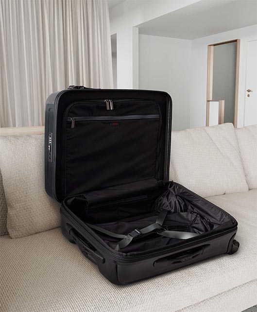 Eclipse Continental Expandable 4 Wheeled Carry-On